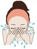 ぬるま湯で顔をすすぐ