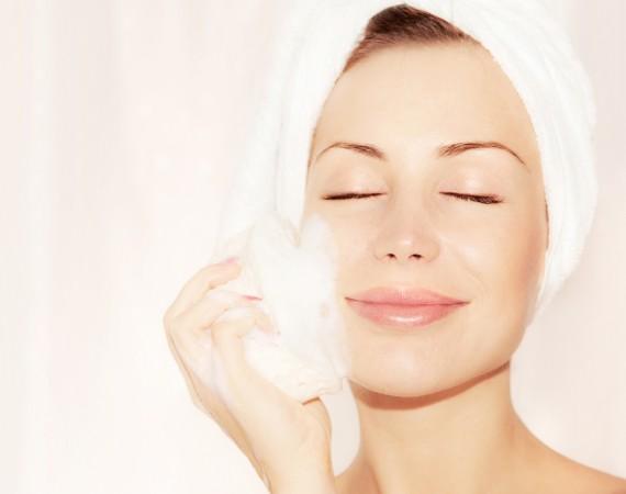 クレンジングと洗顔の正しいポイント